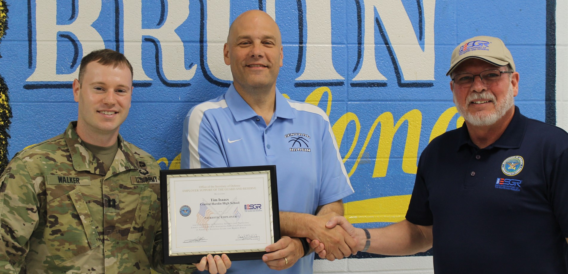 Central Hardin High School Principal Tim Isaacs earned the Patriot Award from the Kentucky National Guard and U.S. Army Cadet Command (ROTC) .