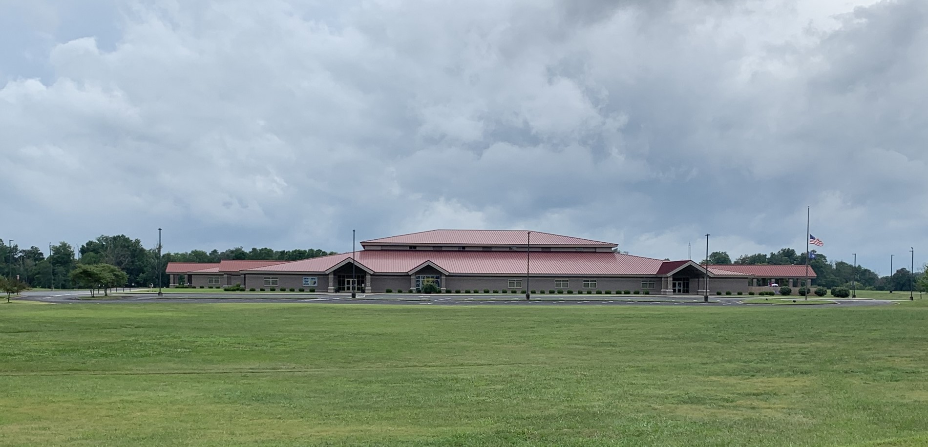 Front view of Creekside Elementary