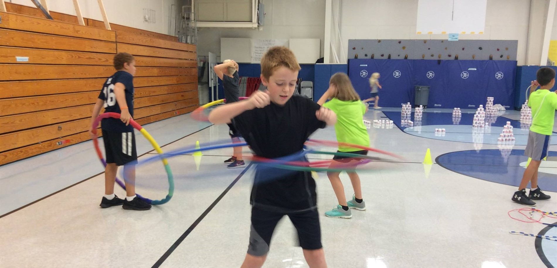 Lincoln Trail Elementary students work with Project Fit America equipment.